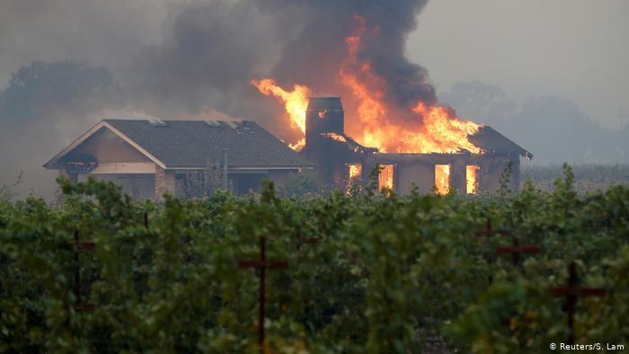 Más de 50.000 personas evacuadas por incendios en Estados Unidos