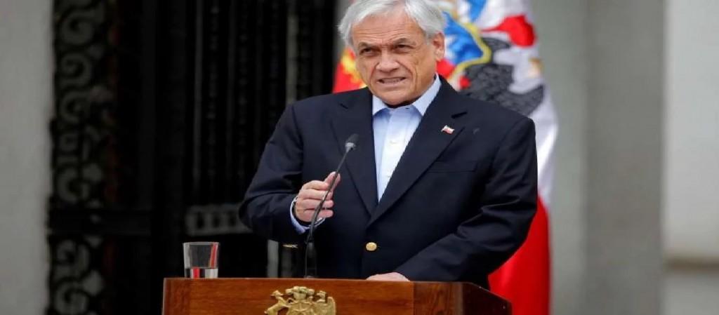Sebastián Piñera pidió la renuncia de todos sus ministros