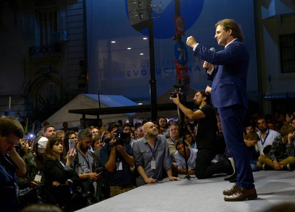 La derecha uruguaya ensaya una coalición para derrotar al Frente Amplio en segunda vuelta