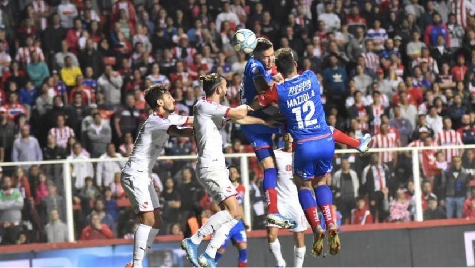 Independiente igualó 2 a 2 ante Unión