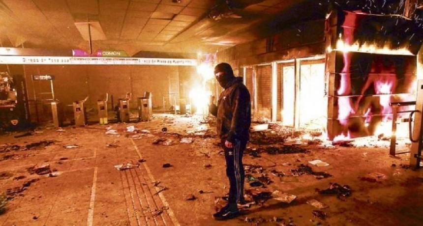 Chile decretó el estado de emergencia tras los daños que dejaron las protestas