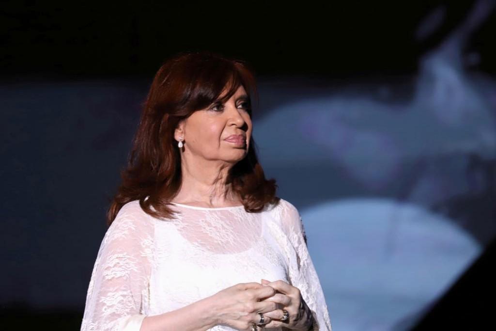 Rechazan un planteo de CFK y está a un paso del juicio oral