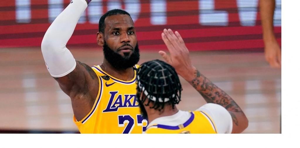 Los Angeles Lakers arrasó a Miami Heat