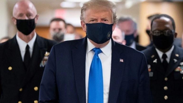 Trump  es interndo en el hospital militar