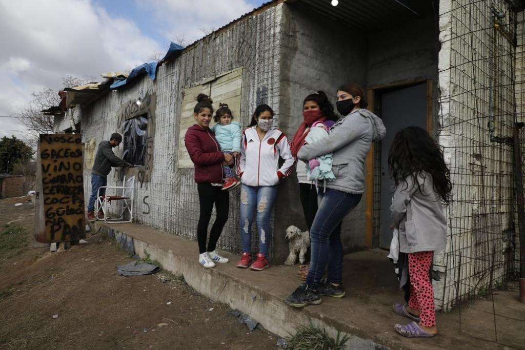 La Pandemia va acelerando la caída de la economía del País