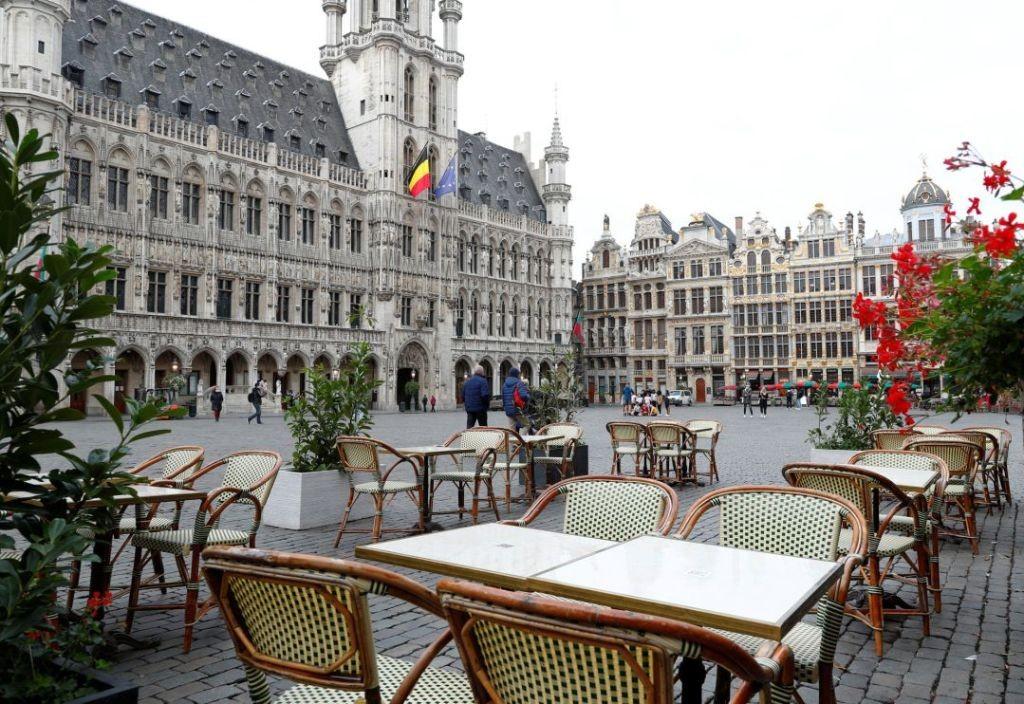 Bélgica cerró bares y restoranes por el avance del COVID-19