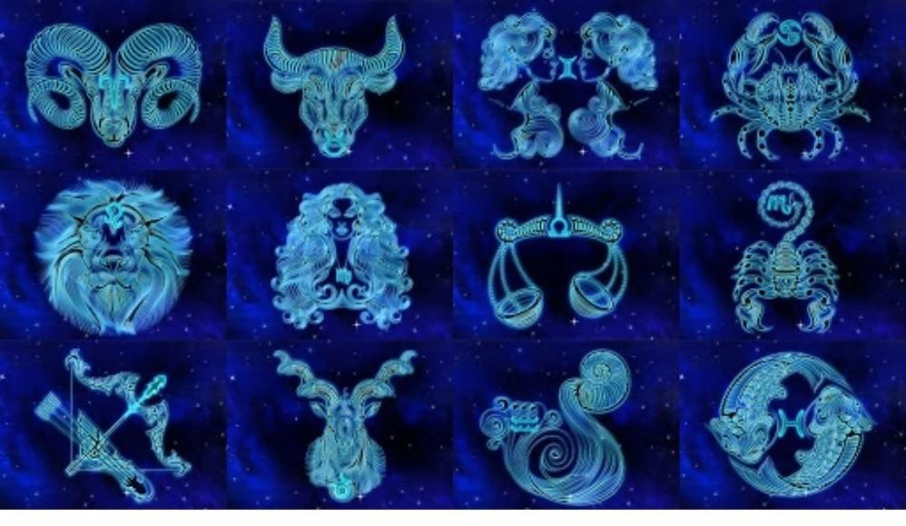 Provocará la luna azul cambio en los signos del zodiaco