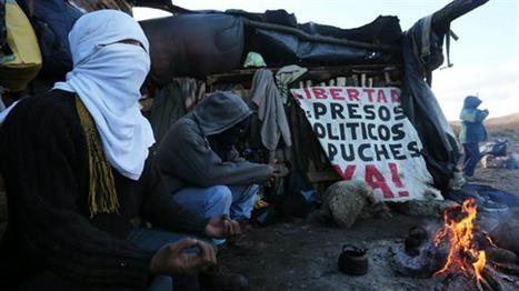 Mapuches incendiaron un campamento de Vialidad Nacional