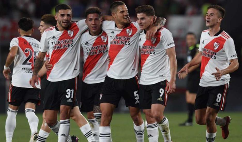 River goleó a Argentinos en el Monumental