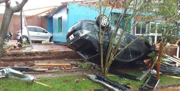 Las fotos del desastre de Misiones: un tornado arrasó más de 260 casas