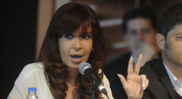 Más solo: Cristina se corre y deja a Scioli al frente de la campaña 8