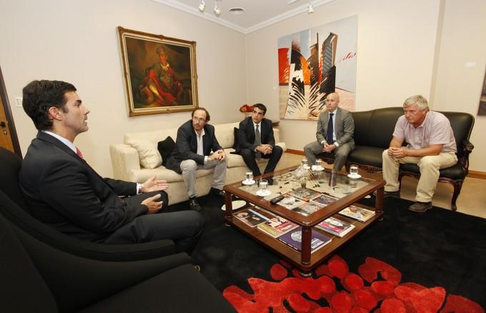 El Gobernador analizó la situación de la industria del tabaco con representantes del sector