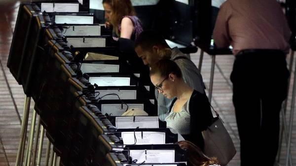 Elecciones en EE.UU: ¿Por qué se vota un martes?