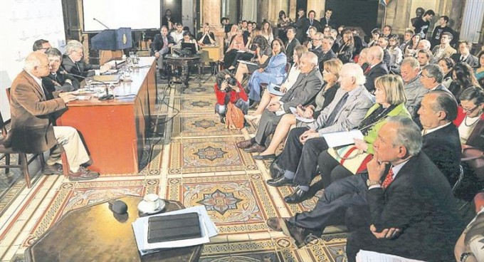 Cumbre en la Casa Rosada para salvar el tecno-voto