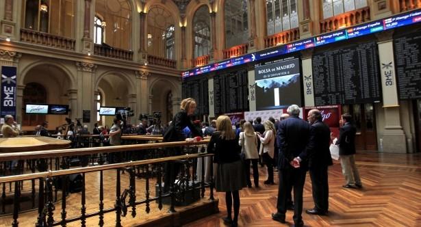 Las bolsas de Europa operan mixtas en la antesala de las elecciones en EEUU