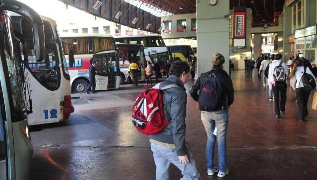 Será obligatorio portar DNI al viajar en colectivos larga distancia