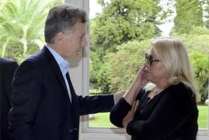 Carrió invitó a Macri una celebración