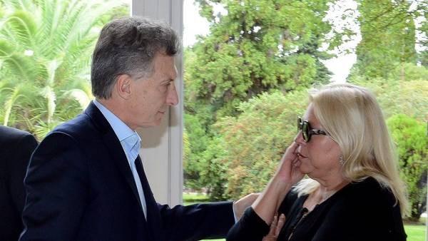 Carrió visita a Macri en Olivos