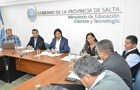 Los docentes de la provincia entre los que recibiran  un bono a fin de año