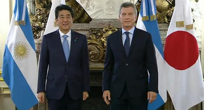 En Casa Rosada, Macri recibe al primer ministro de Japón