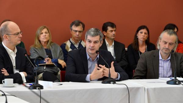 El Gobierno insiste con reforma electoral y se apoya en gobernadores aliados