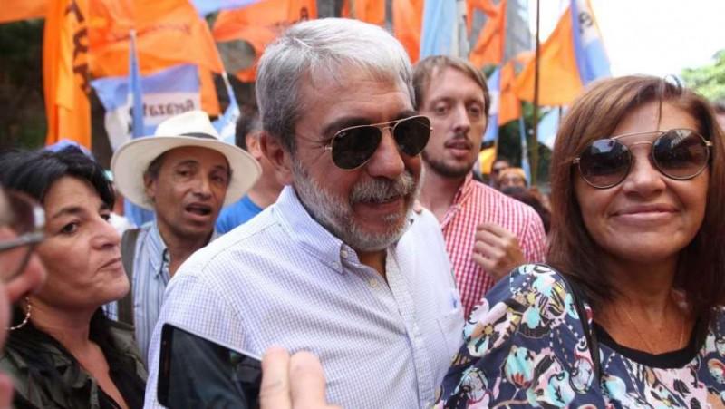 Anibal Fernández pidió a dirigentes del PJ poner la cara por Boudou
