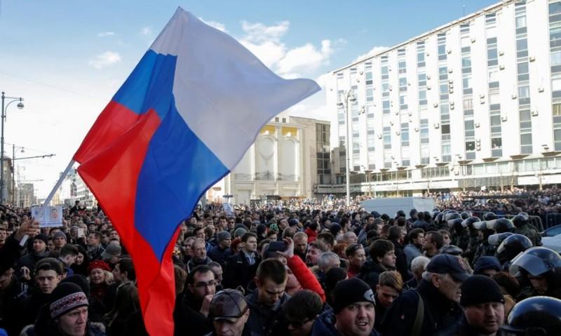 Moscú :Más de 260 personas detenidas en una marcha contra Putin