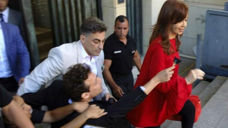 Quisieron premiar a Cristina Kirchner con Oscar  de plástico