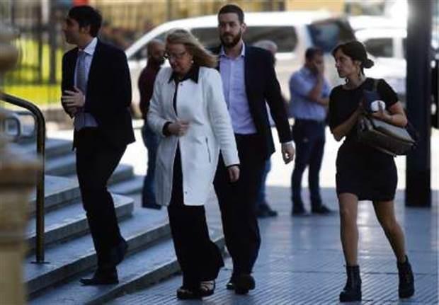 Alicia Kirchner de vacaciones en Europa en medio de la crisis