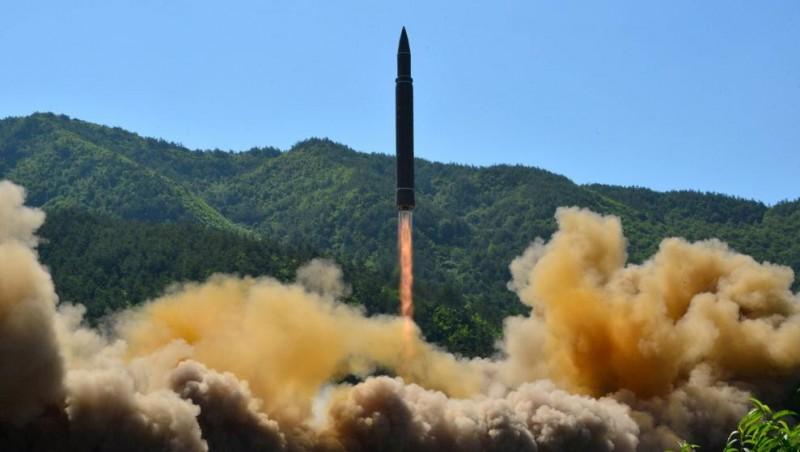 Corea del Norte lanza un misil balístico no identificado hacia Japón