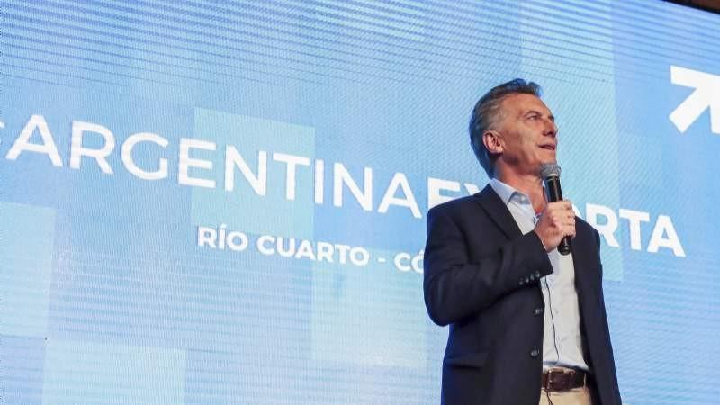 Macri negó despidos masivos y defendió el acuerdo con el FMI