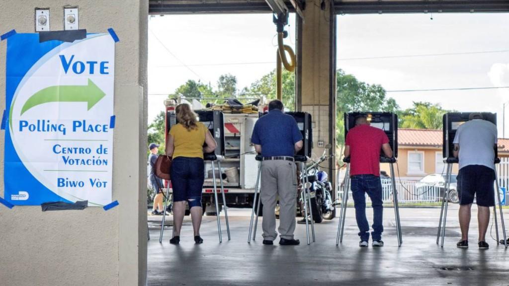Cerraron las primeras urnas en EE.UU.