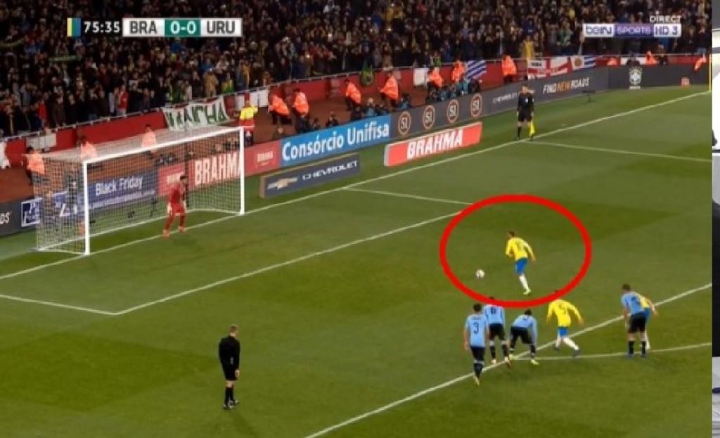 Uruguay  vs Brasil: Neymar anotó de penal el 1-0 de Brasil
