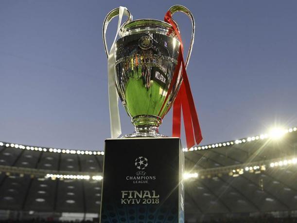 UEFA no descarta uso del VAR en Champions League