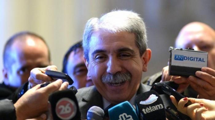 Fernandez bajo la presión de su propio equipo para formalizar los nombramientos de funcionarios