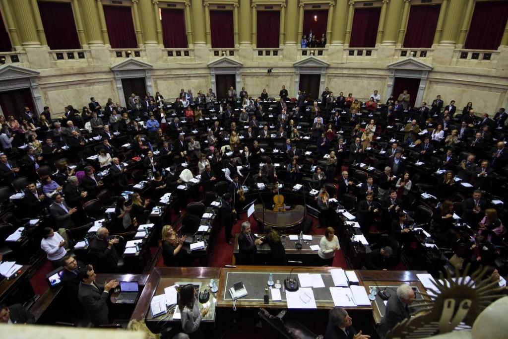 Diputados debate reforma ley de góndola y alquileres