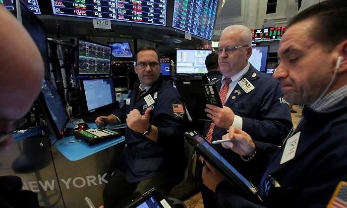 Wall Street se han anotado ligeras caídas