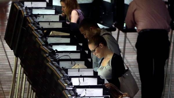 EEUU: abrieron las urnas y ya se conocen los resultados en Dixville Notch y Millsfield