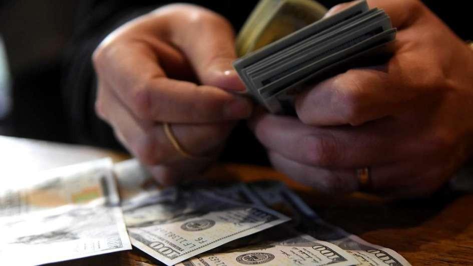 El dòlar blue retrocediò $4 hasta los $161
