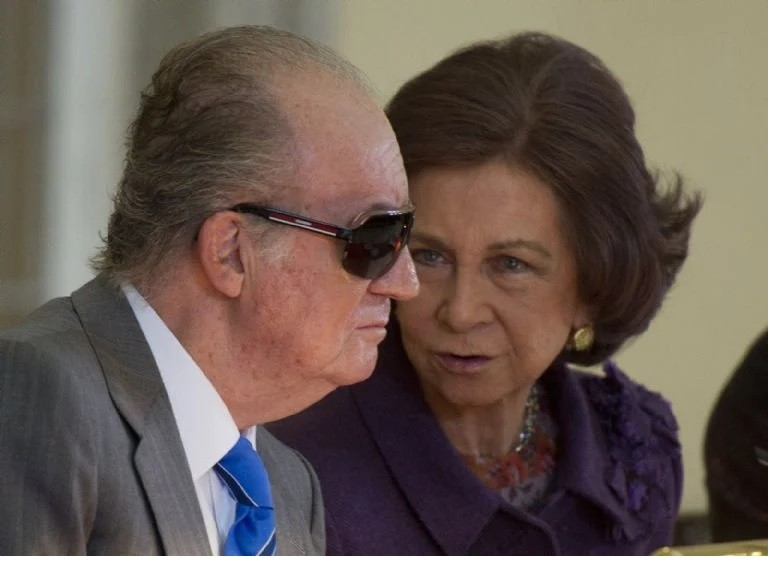 La reina Sofía en problemas a causa del rey Juan Carlos