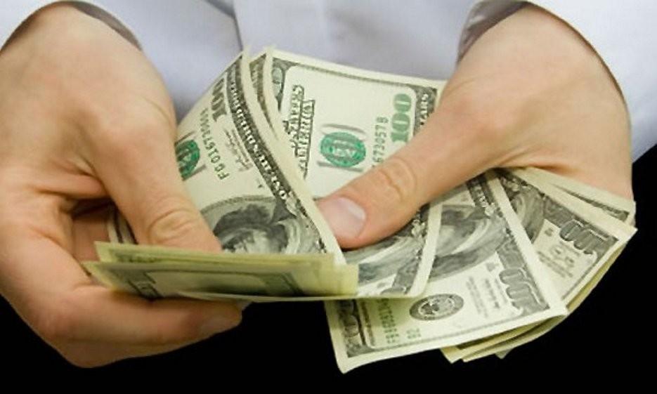 El dólar blue vuelve a superar $160, al dispararse $13