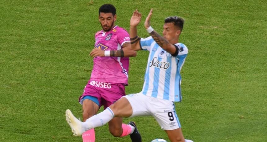 Atlético Tucumán le ganó a Arsenal en un final a puro gol