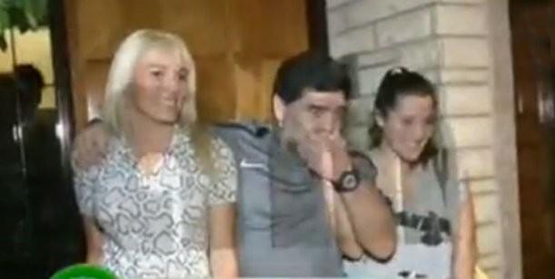 Histórico! Diego Maradona presentó oficialmente a Jana