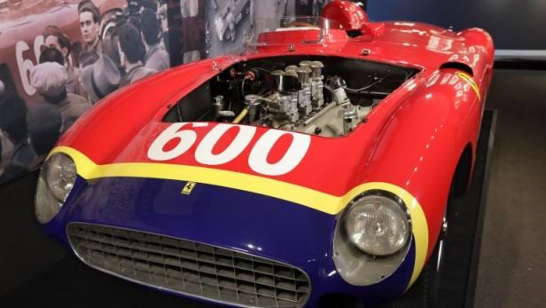 La Ferrari de Juan Manuel Fangio subastada por 28 millones de dólares
