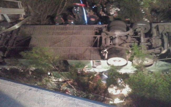 Rosario de la Frontera: Desbarrancó un camión de Gendarmería: 41 muertos