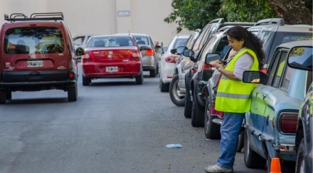 Estacionamiento medido: autorizan las boletas de $4 hasta que se termine el stock