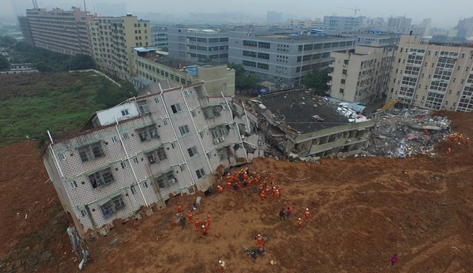 Alud de tierra en China sepultó 33 edificios