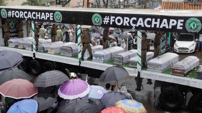 Emotivo y multitudinario adiós al plantel de Chapecoense