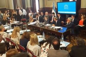 Gobernadores expusieron en el Senado por Ganancias