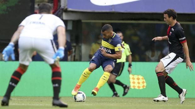 Boca venció 4 a 1 a Colón con un Tevez determinante